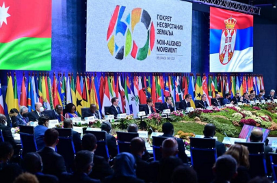 الجزائر تُذكّر بمبادئ سياستها الخارجية ببلغراد