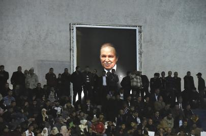 التشريعيات الجزائرية.. ماهي فرصة أحزاب بوتفليقة في دخول البرلمان؟