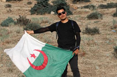 مصور خنشلة.. عدسة جلال مرزوق بين النار والرماد