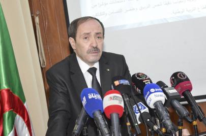 وزير التربية يلتزم بتعميم تدريس الأمازيغية
