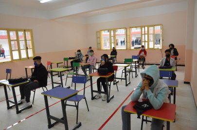 بعد ارتفاع إصابات كورونا.. جدل في الجزائر حول غلق المدارس