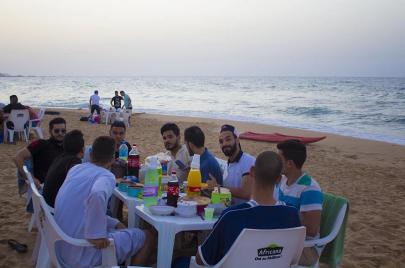 الإفطار على الشواطئ.. نزعة جزائرية جديدة