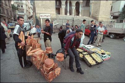 القمح الفرنسي.. كابوس الأمن الغذائي في الجزائر