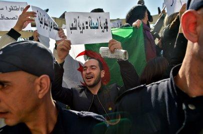 الإعلام الجزائري بعد الحراك.. خطوة إلى الأمام وأخرى إلى الخلف