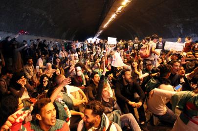 الحراك الشعبي في الجزائر.. سياسيّون على دكّة الاحتياط
