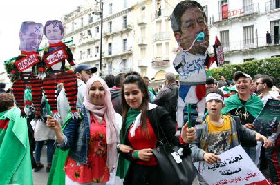 أموال الجزائريين المهرّبة إلى الخارج.. هل يُمكن استرجاعها؟