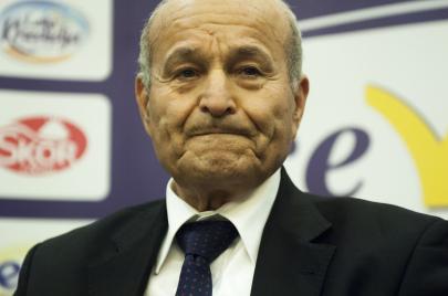 أغنى رجل في الجزائر يعرض المساعدة في أزمة كورونا