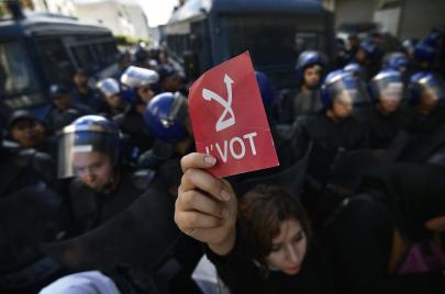 قانون الانتخابات الجديد.. نحو حلّ مشكلة المال الفاسد والعزوف الانتخابي