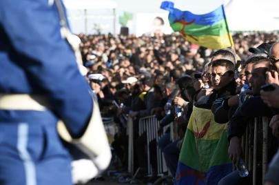 أكثر من 100 معتقل ما زالوا في السجون بسبب الراية الأمازيغية
