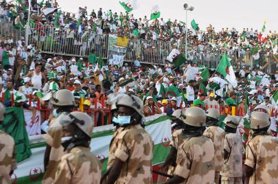 لماذا شجّع السودانيون الجزائر؟