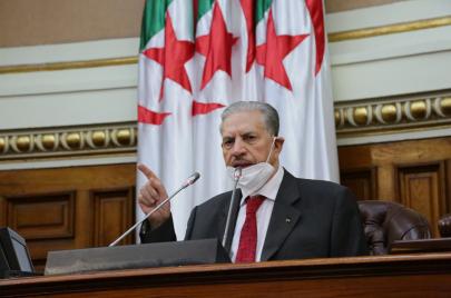 الرجل الثاني في الجزائر يُهاجم الإمارات بلهجة شديدة